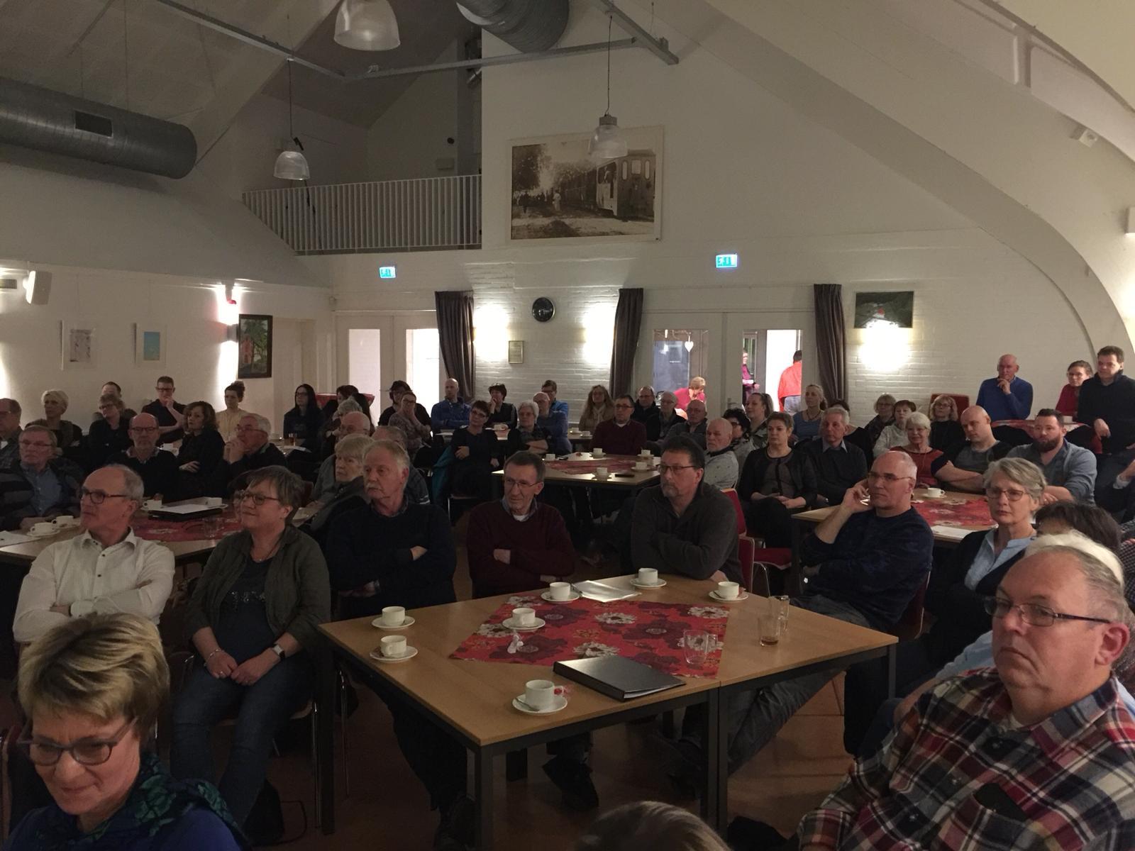 Hesselerhof informatiebijeenkomst gevulde zaal