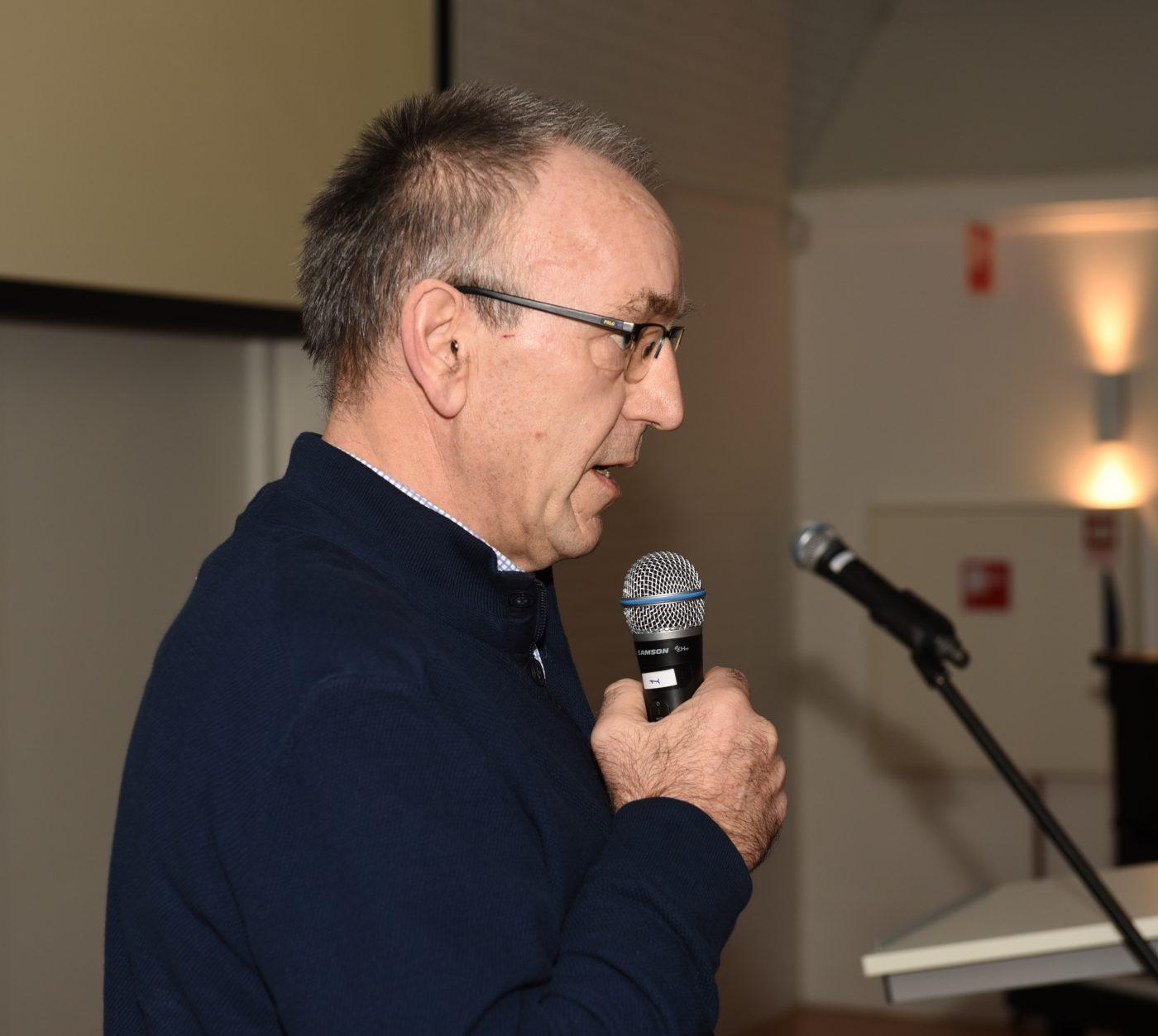 Gerrit Hegen licht de plannen toe