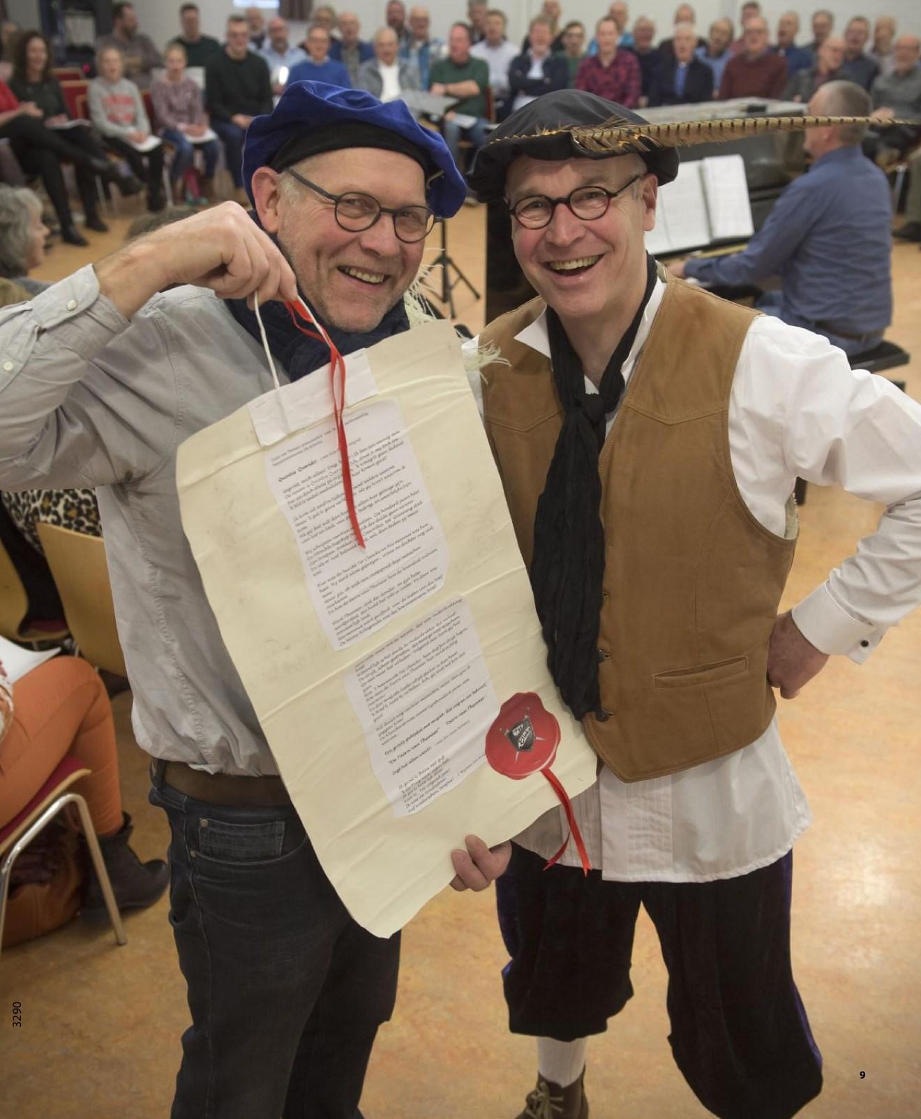 Jan Kruimink en Harm Dijkstra bij een van de repetities van de Toorn van Thunaer