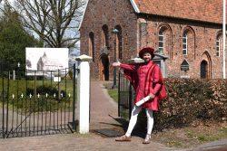 Toorn van Thunaer Quintus Querido bij de kerk in Zweeloo