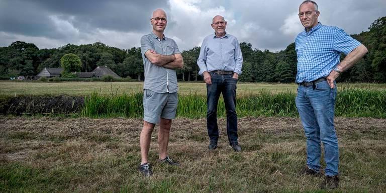 Harm Jan en Gerrit op het speelveld - foto Jan Zeeman